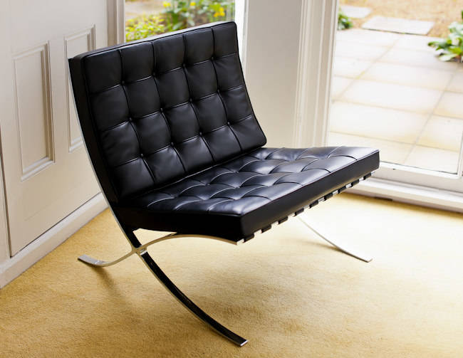 Barcelona Chair Knoll Mies van der Rohe black leather