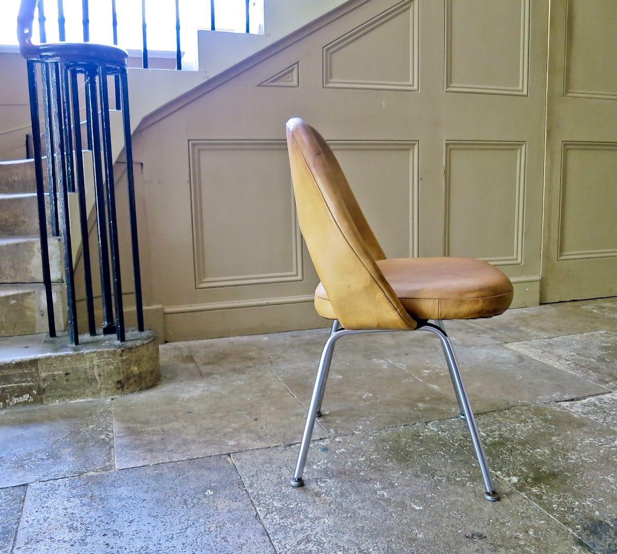 Eero Saarinen Knoll Vintage chairs Executive 1950's