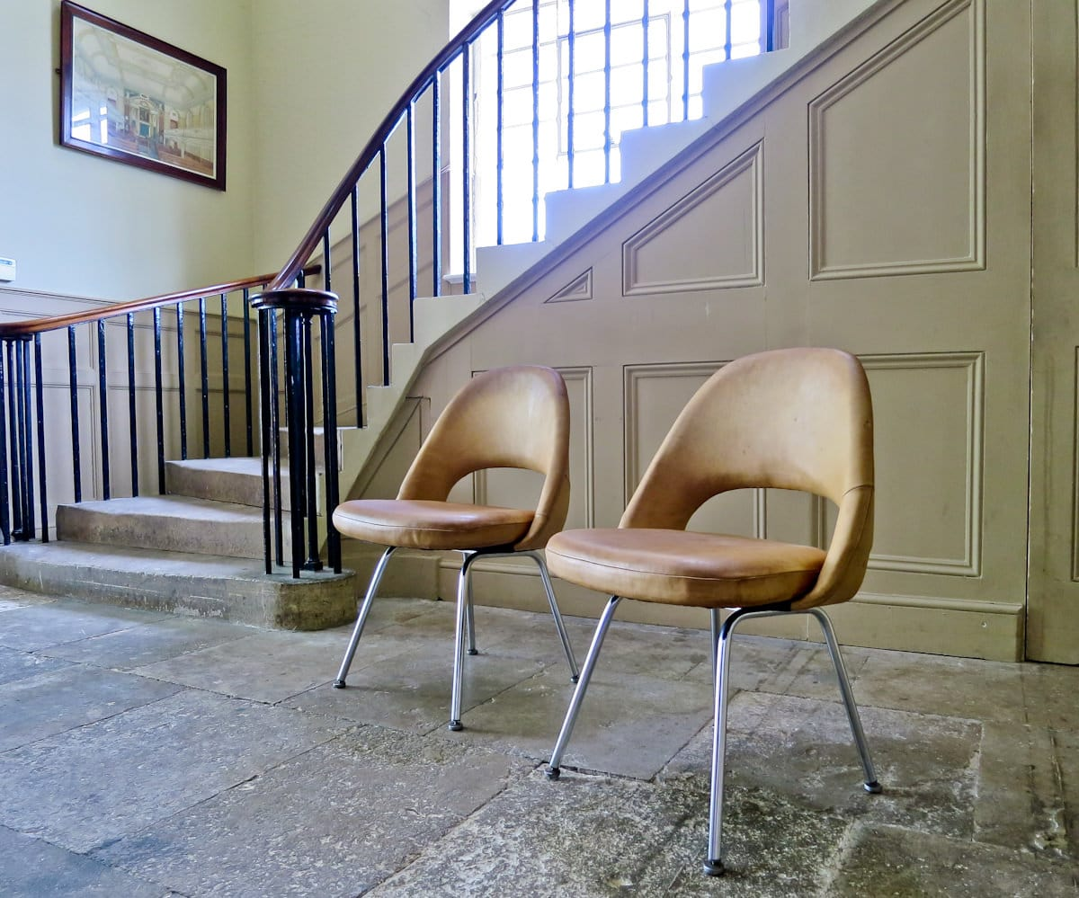 Eero Saarinen vintage chairs Knoll leather 1950's