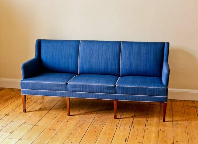 Fritz Henningsen sofa vintage furniture mahogany 1950's
