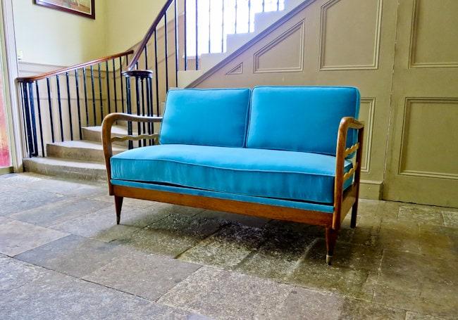 Italian sofa velvet & oak 1950's
